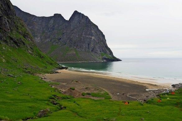 De Lofoten-Kvalvika Beach