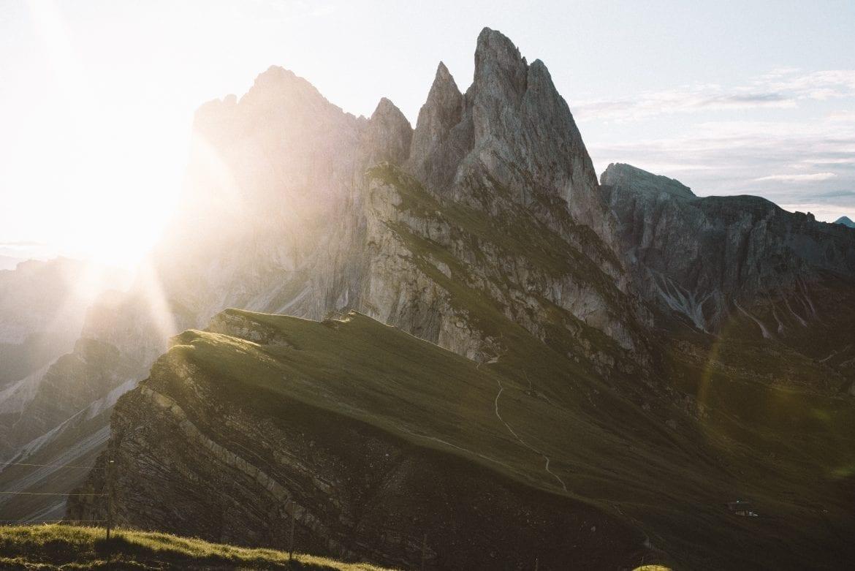 Dolomieten-The Hike-Credits justin-luebke
