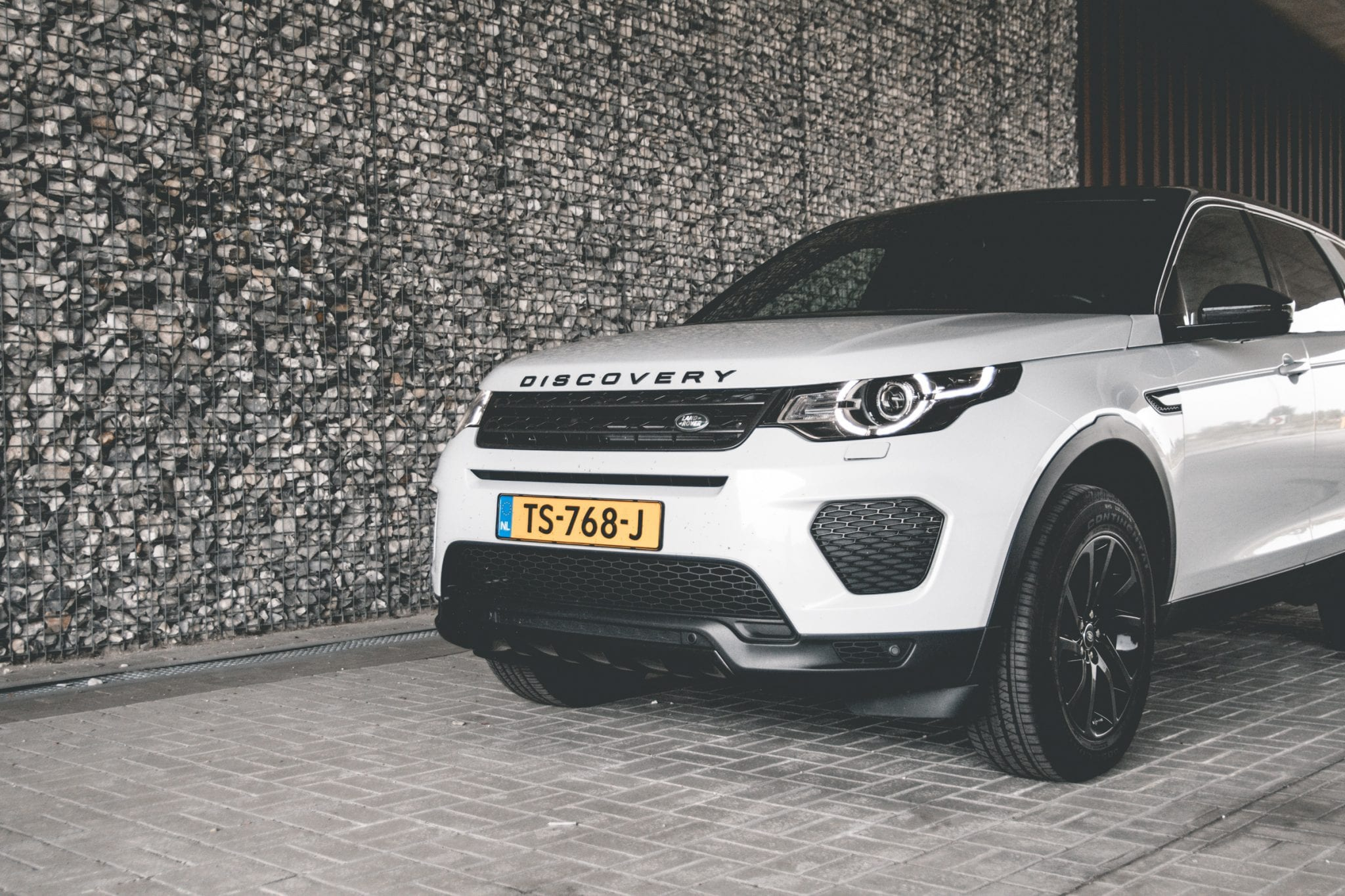 Land Rover Discovery Sport Front Credits The Hike2