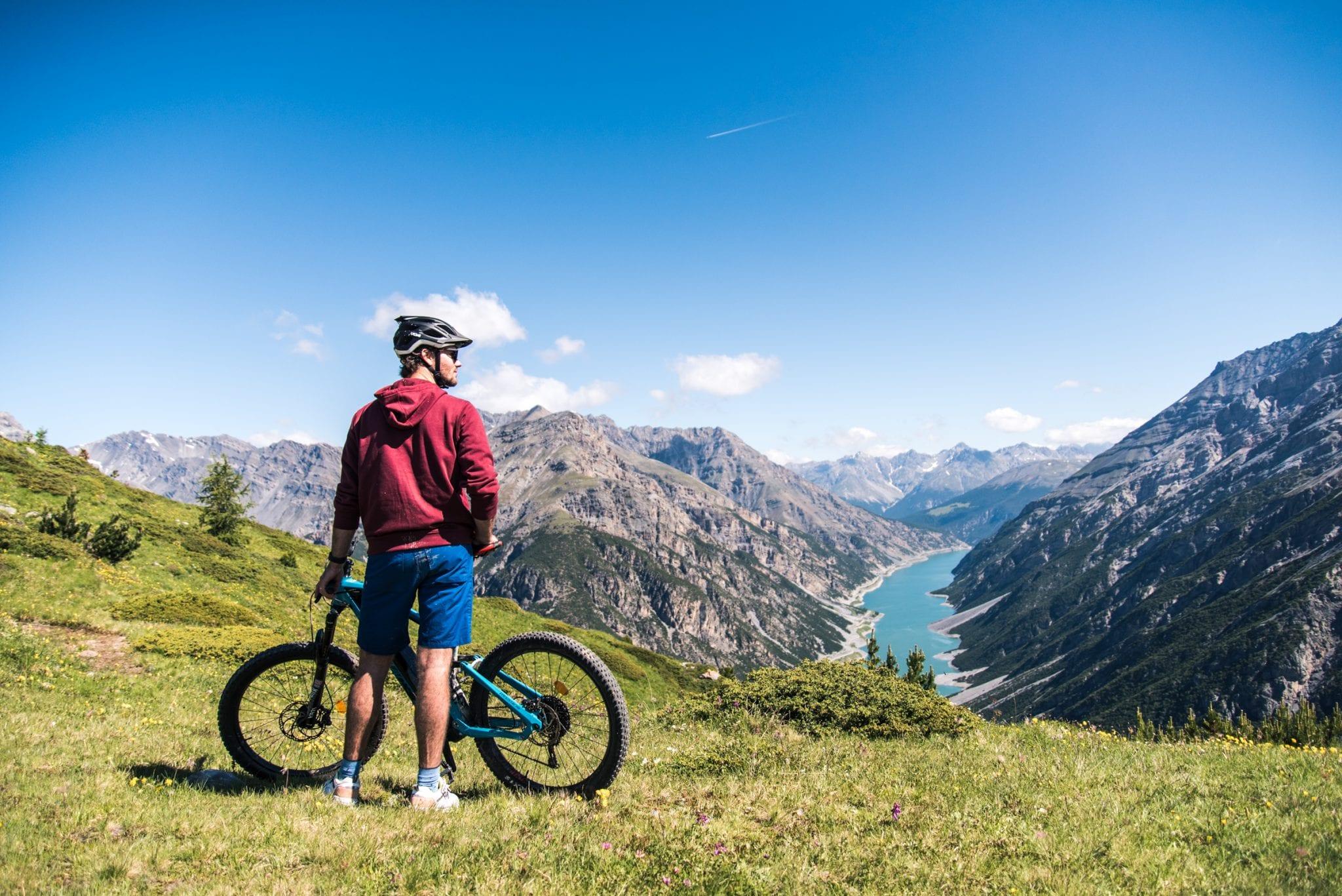 Mountainbiken in Livigno Meer van Livigno