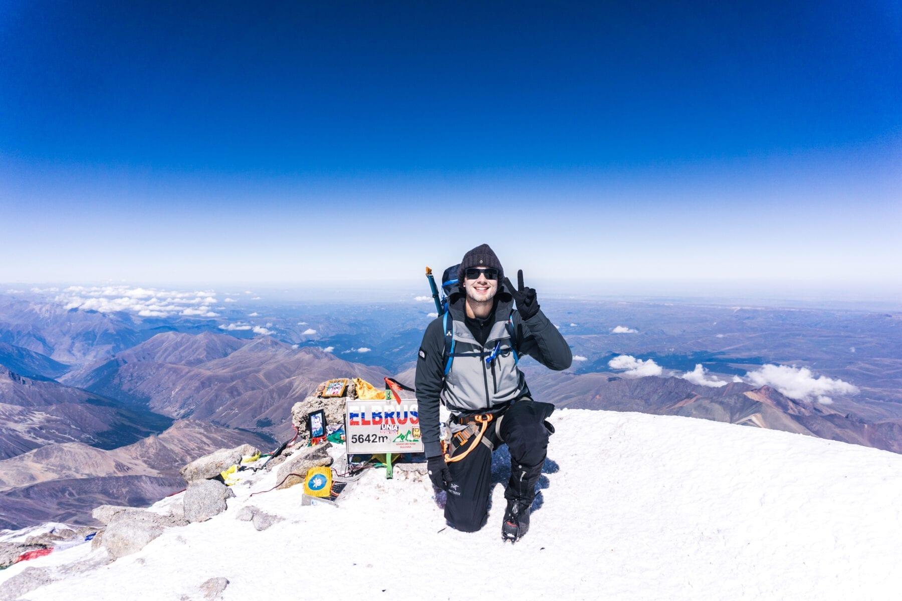 Zuidzijde van de Elbrus header-177