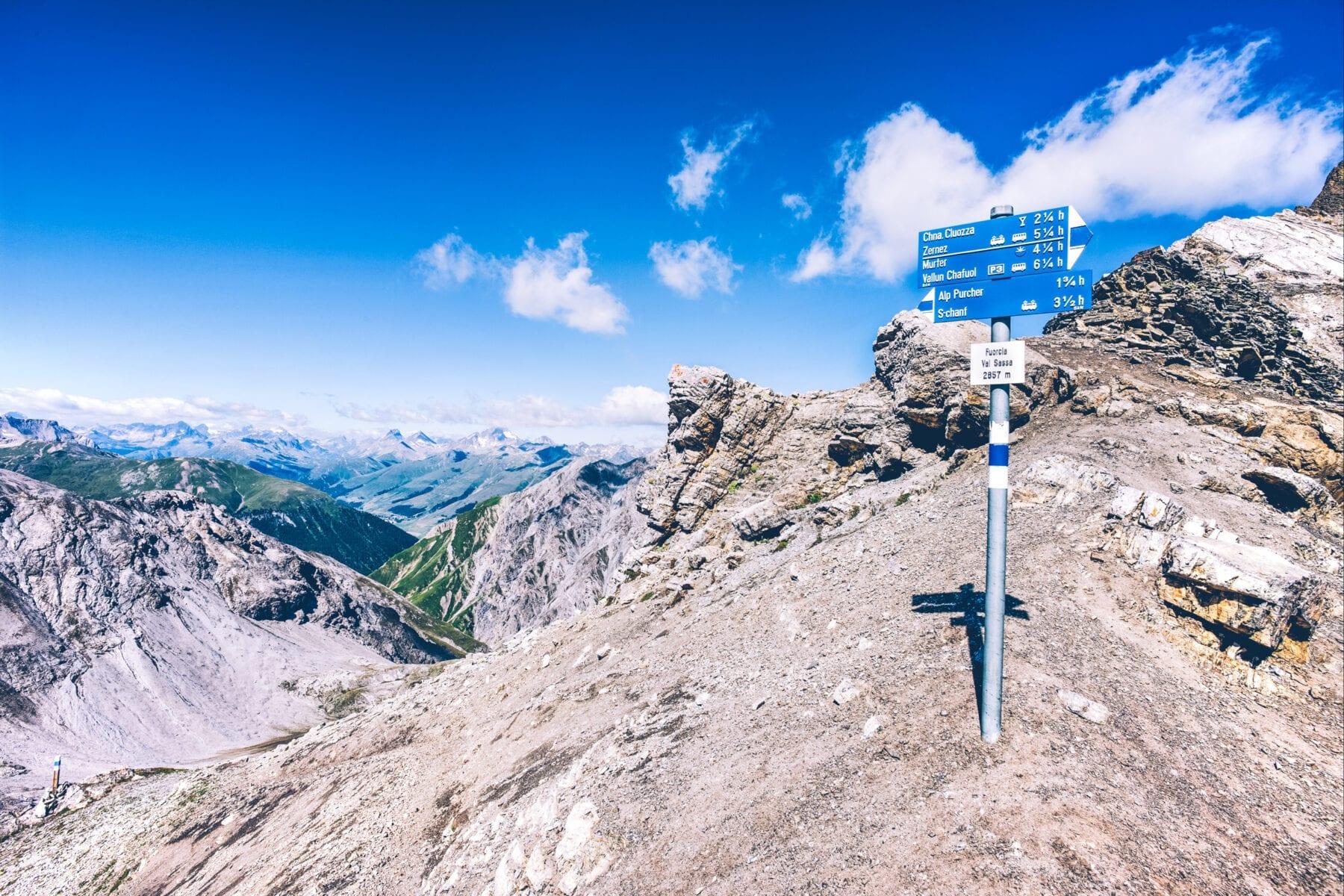 Moeilijkheidswaarderingen Zwitserland wandelpaden blauwe bordjes