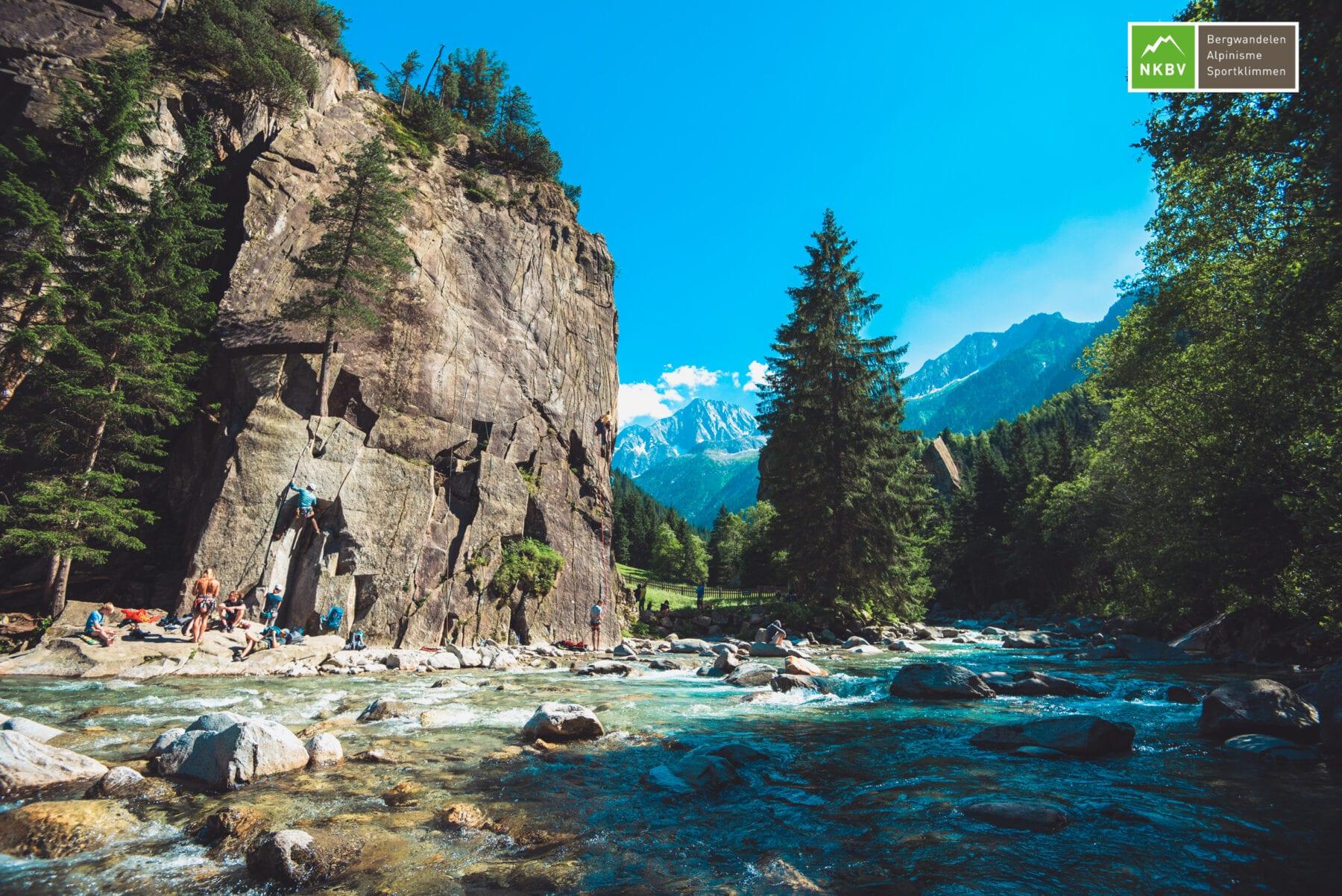 bergen in na de Corona versoepelingen water