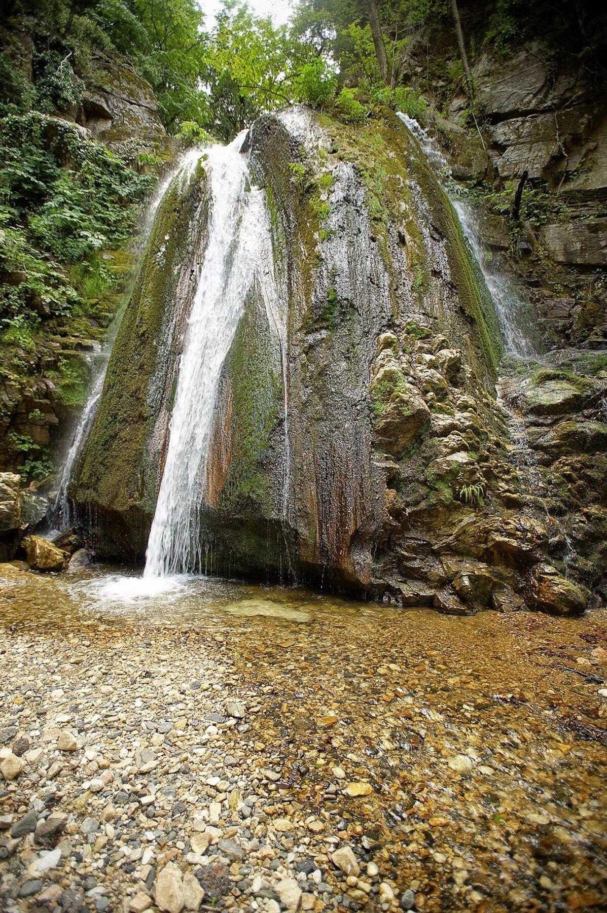 Epische roadtrip naar Griekenland waterval