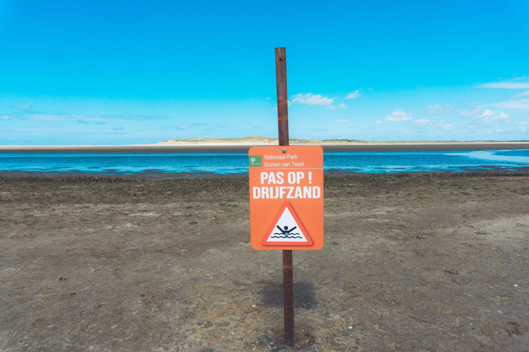 Verboden toegang gevaarlijk terrein