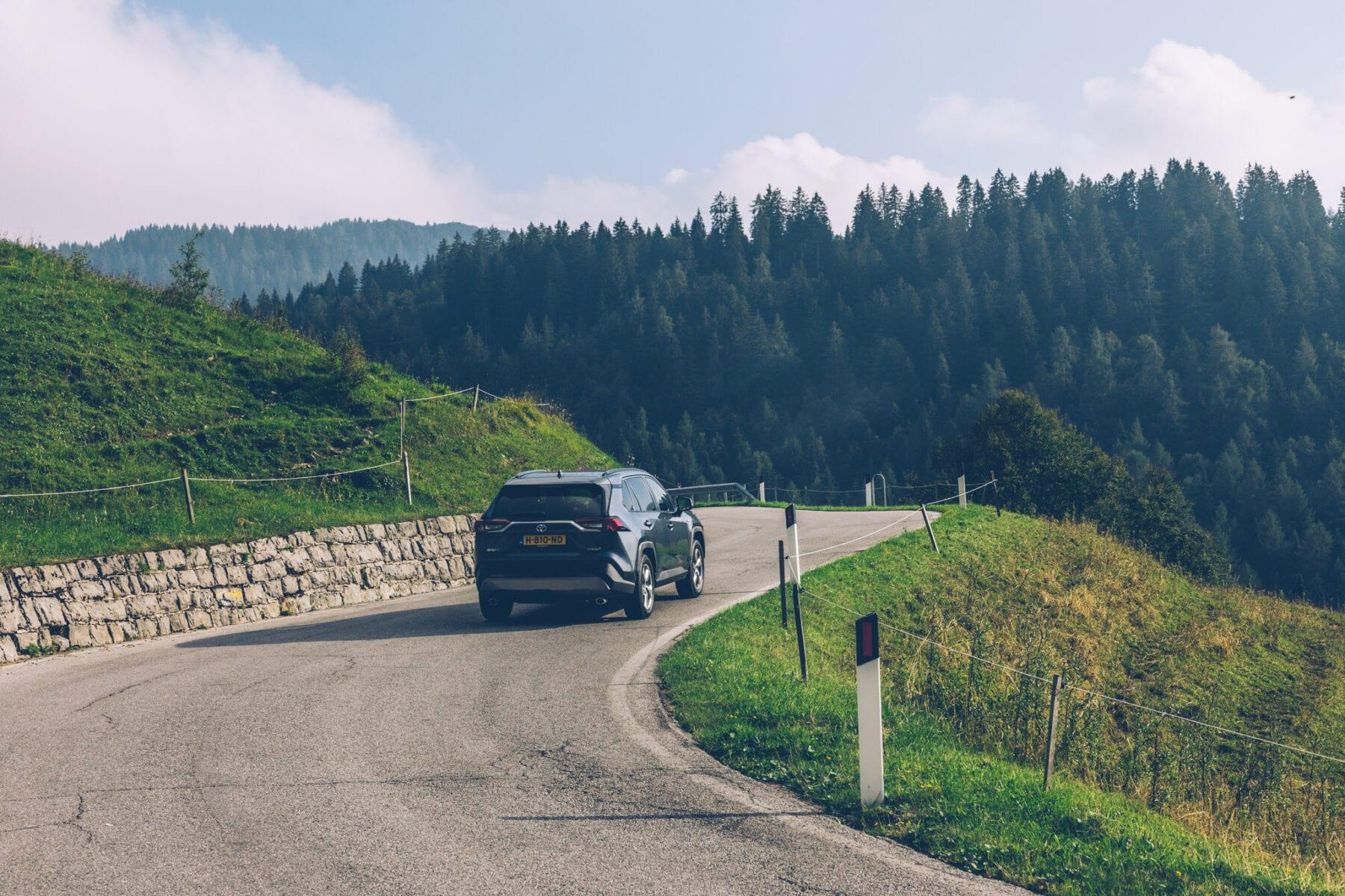 Toyota RAV4 Hybrid AWD roadtrip