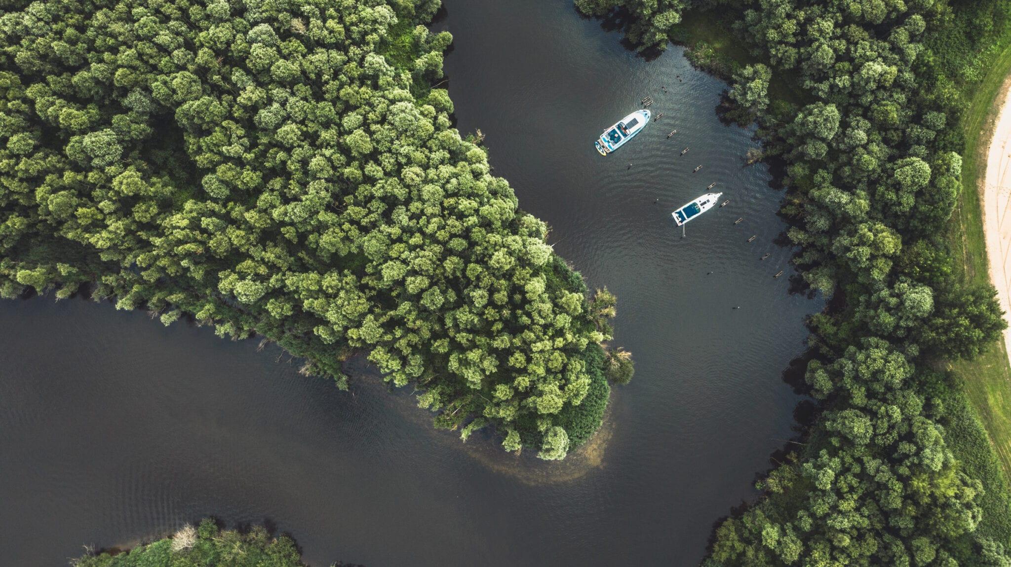 Biesbosch luchtfoto boten