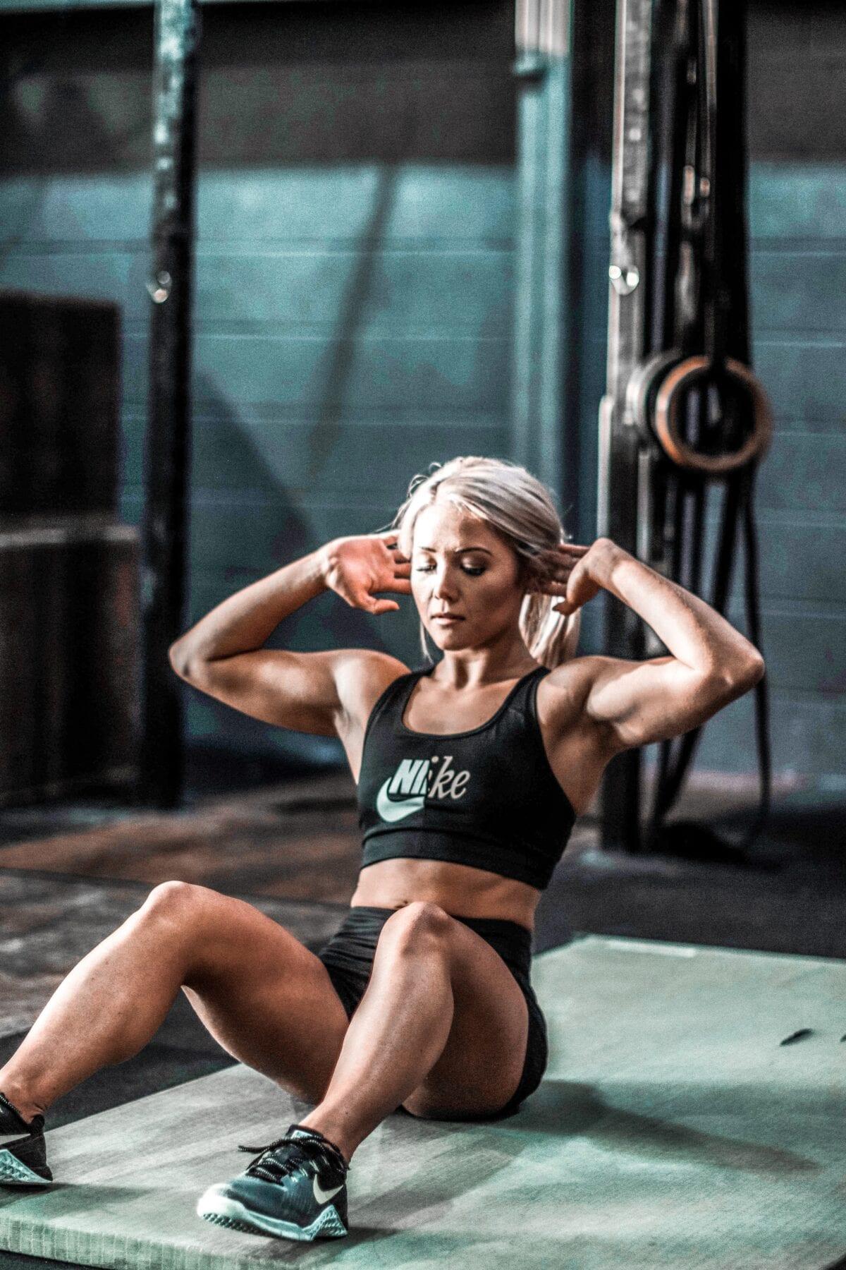 HIIT training sit up