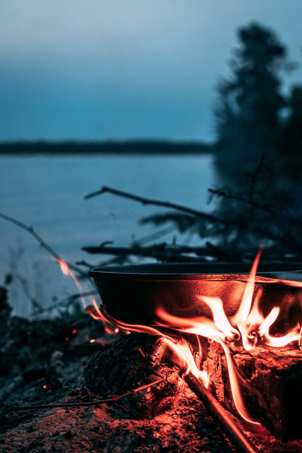 Koken op vuur Dutch Oven