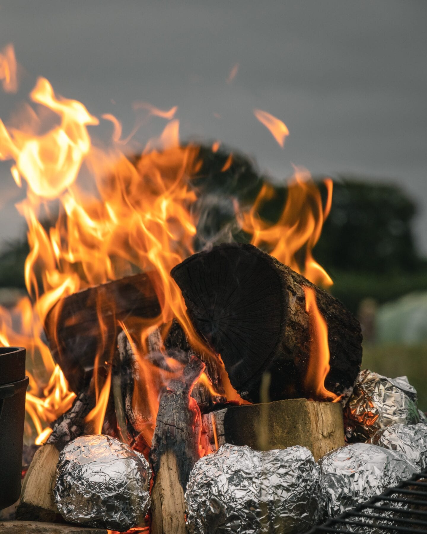 Koken op vuur alluminiumfolie