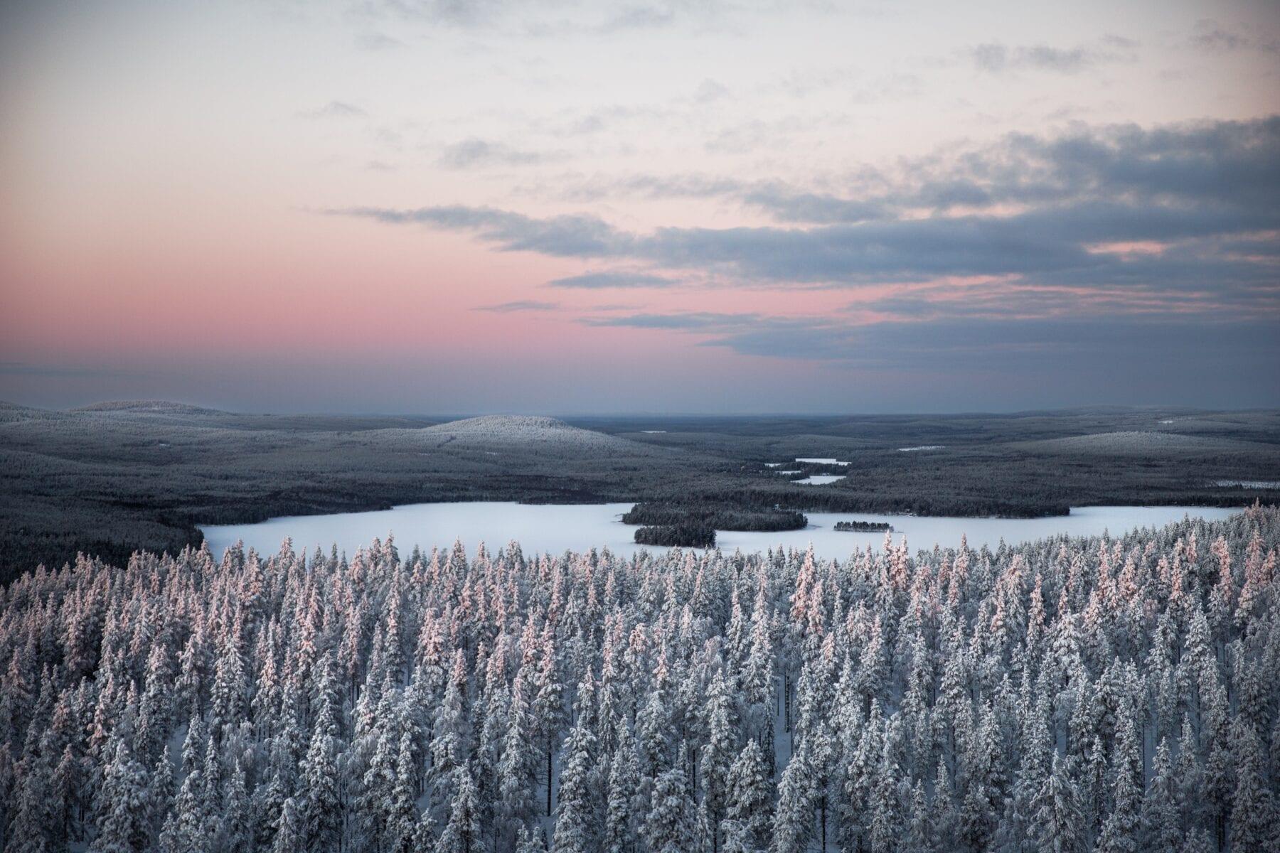 25 prachtige foto's van Lapland meren