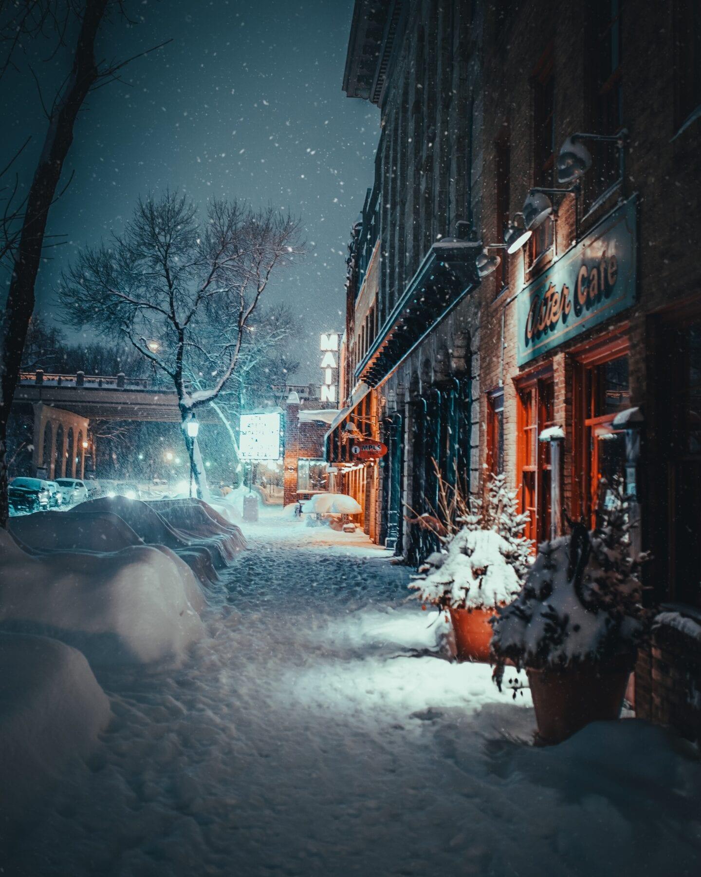 sneeuw in stad