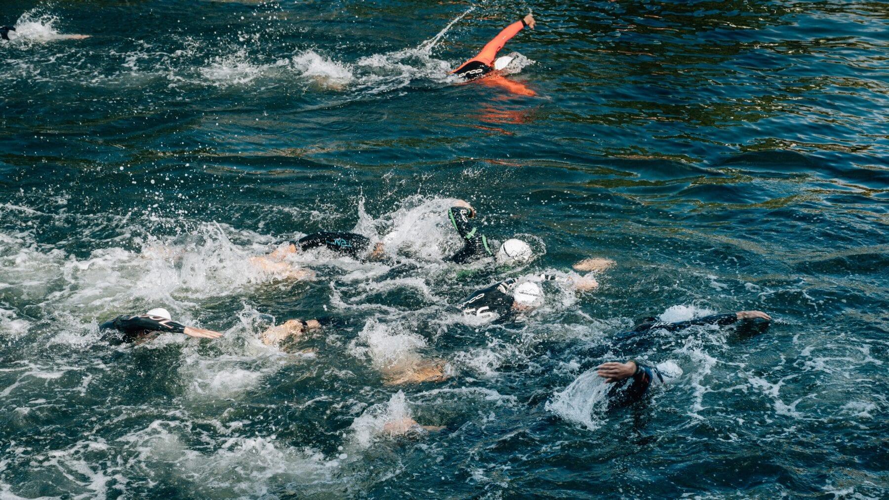 Buitenwater zwemwedstrijd