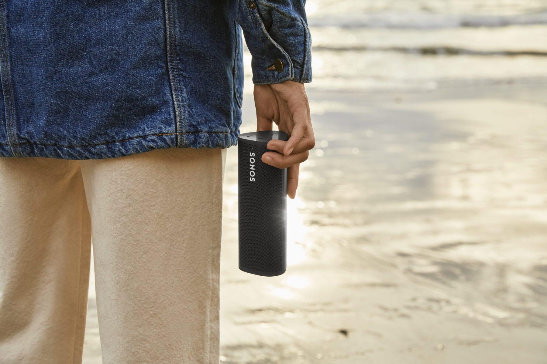 Sonos Roam naar het strand