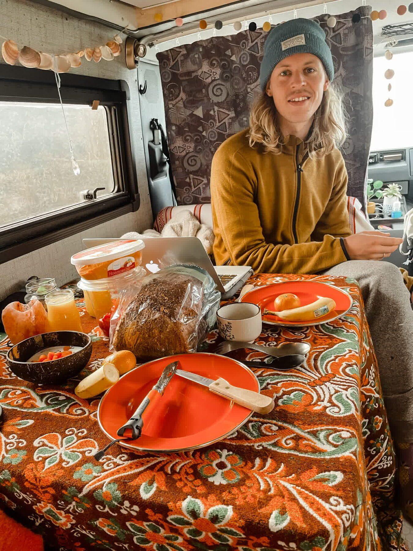 Hashtag Vanlife: Laura en Rick wonen in een camper_Ikwilhiken_10
