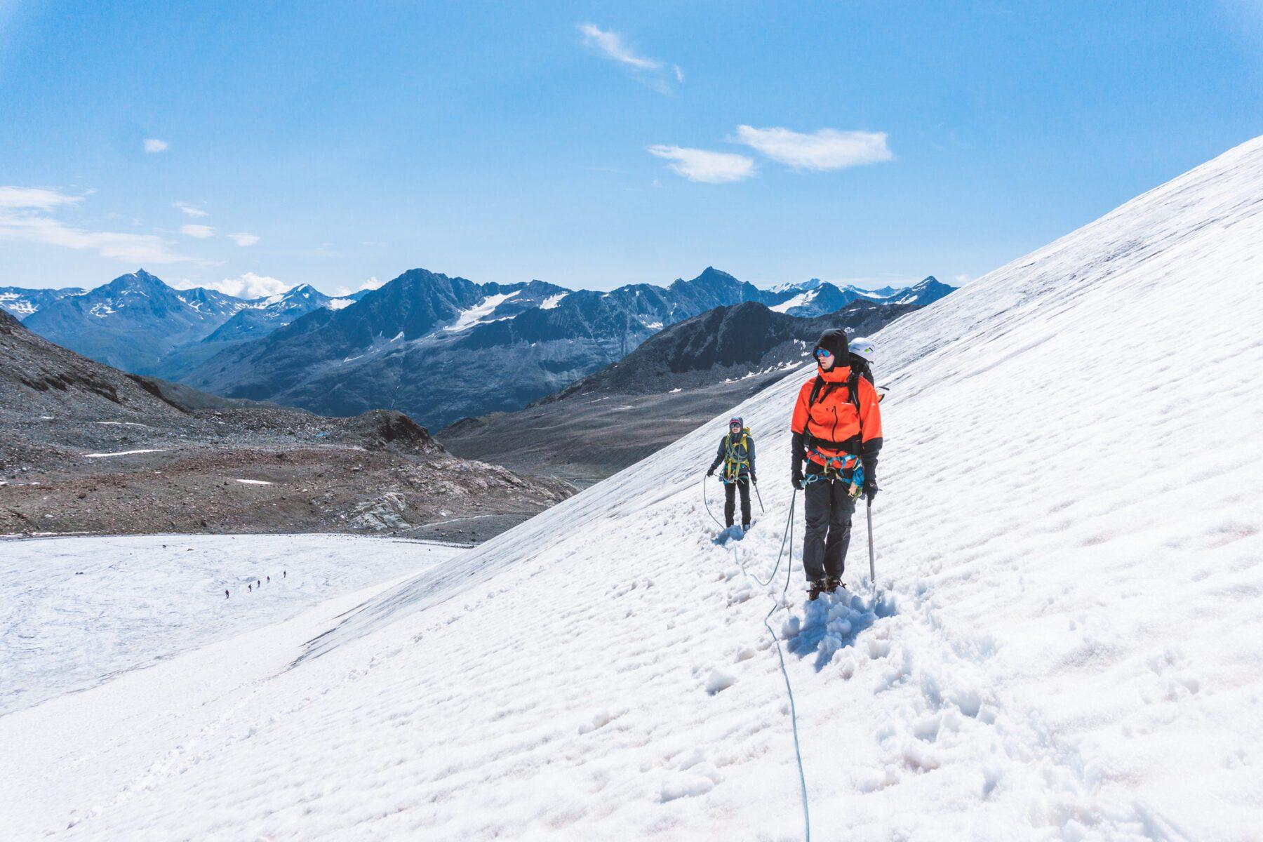 NKBV C1 cursus aan touw op de gletsjer