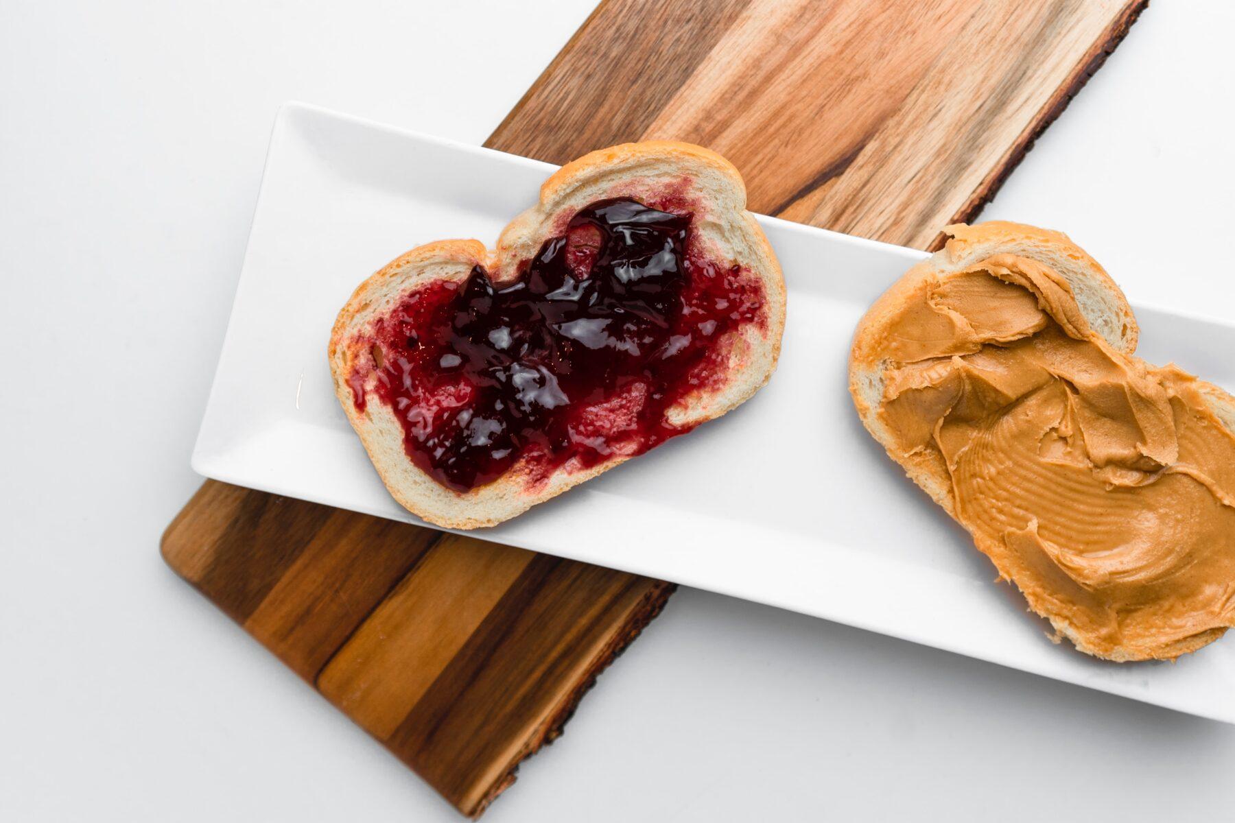 vegan brood pindakaas jam
